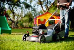 Best Lawn Mowers in India In 2021